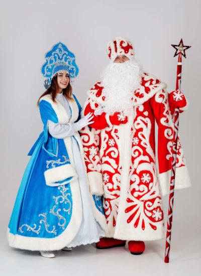 Ded Moroz i Snegurochka v sad